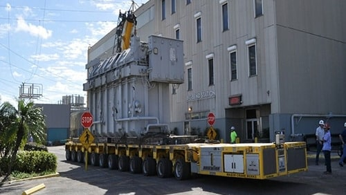 maxim crane heavy hauling equipment