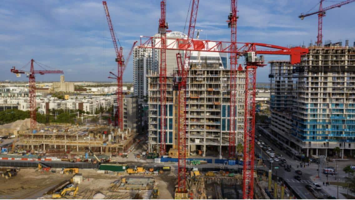 Rental Tower Cranes at Jobsite